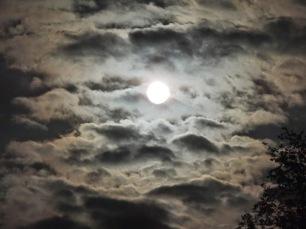 lluna nublos despejados